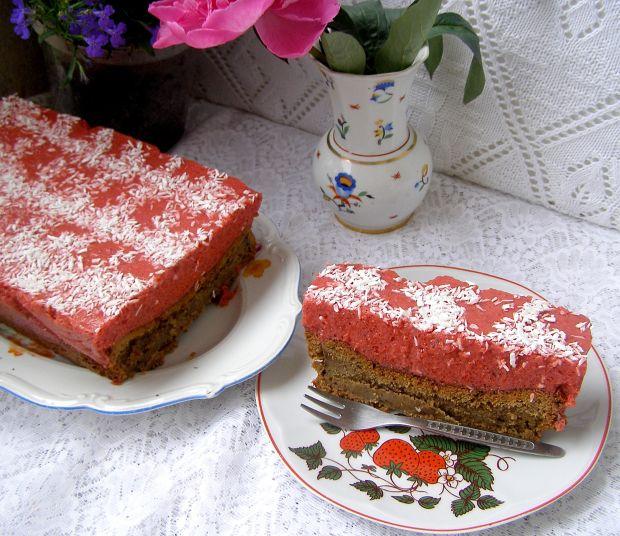 Ciasto mokate cappuccino z musem truskawkowym