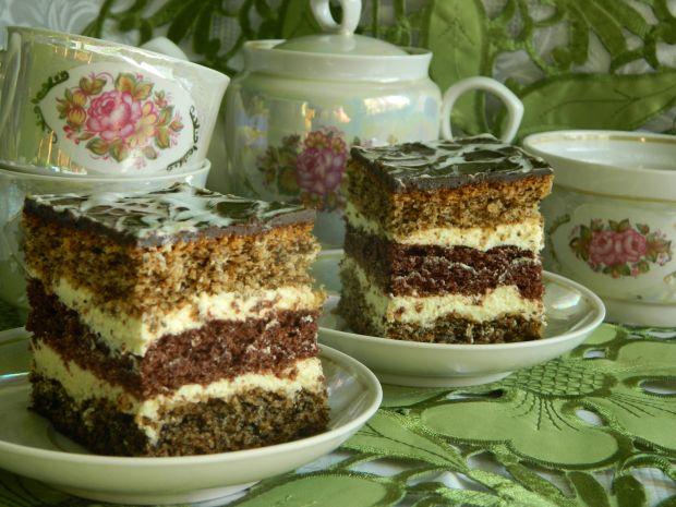 Ciasto orzechowo-kakaowe z kremem