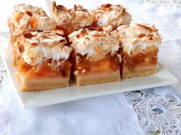 Ciasto owocowe z migdałową bezą
