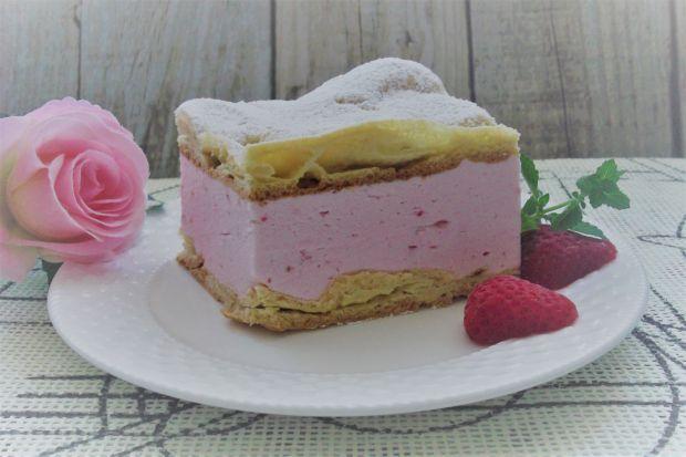 Ciasto ptysiowe z kremem śmietanowo-truskawkowym