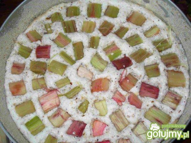Ciasto rabarbarowo orzechowe