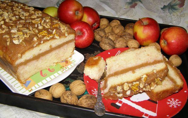 Ciasto torebkowe z musem jabłkowym i orzechami.