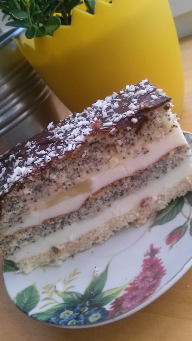 Ciasto tortowe z ananasem