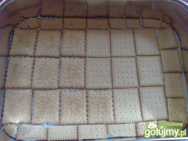 Ciasto truskawkowe na herbatnikach