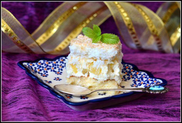 Ciasto z ananasem i bezą kokosową