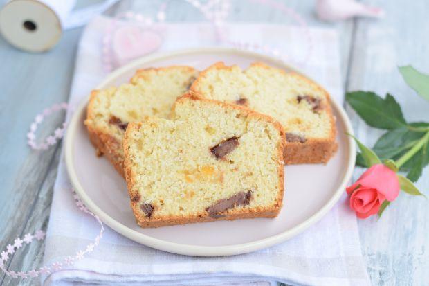 Ciasto z białek z czekoladą i skórką pomarańczową