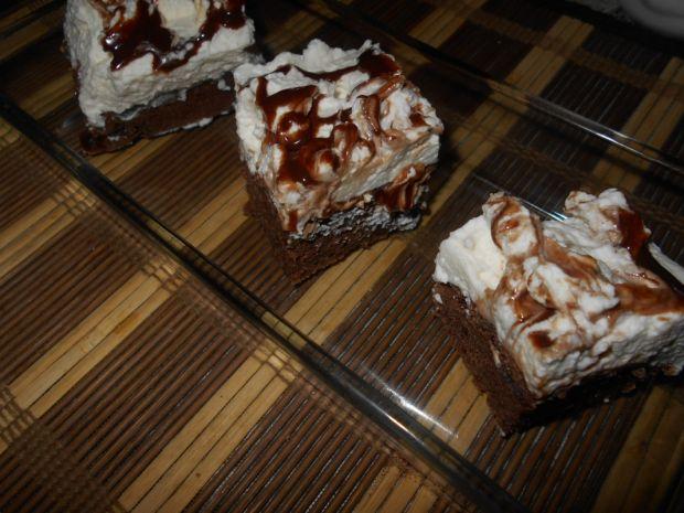Ciasto z bitą śmietaną