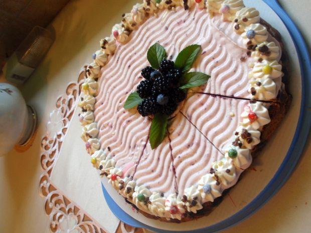 Ciasto z borówką  i śmietaną