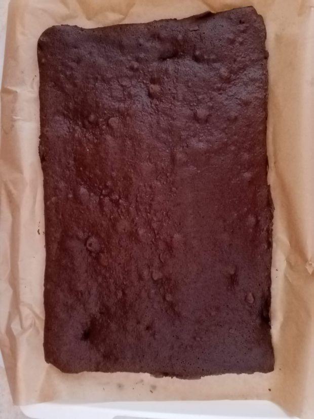 Ciasto z brzoskwiniami kajmakiem i masą śmietanow