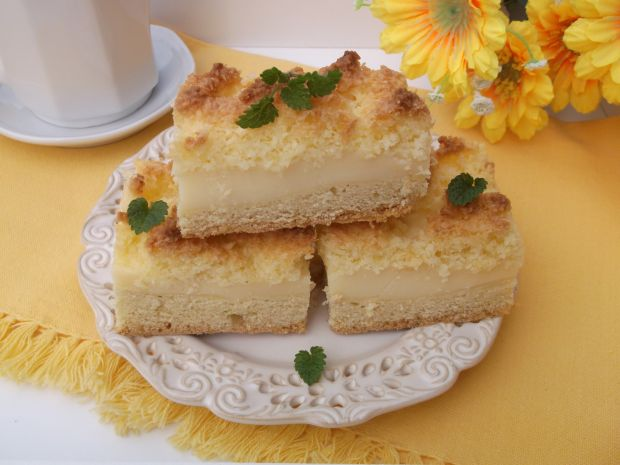 Ciasto z budyniem i kruchą kokosanką