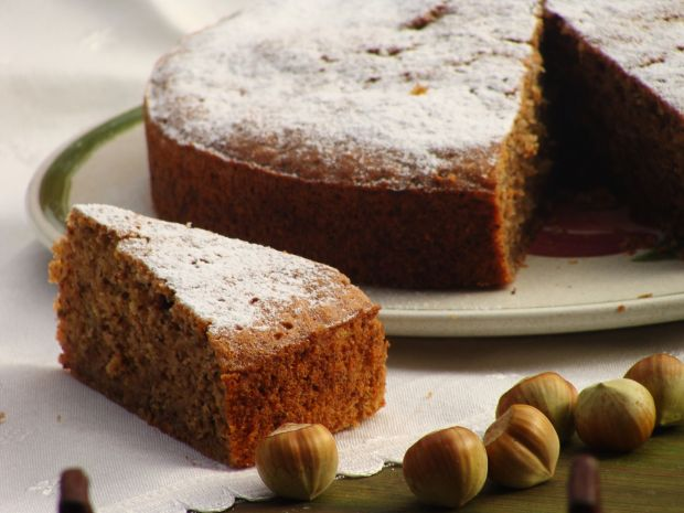 Ciasto z cukinia i orzechami