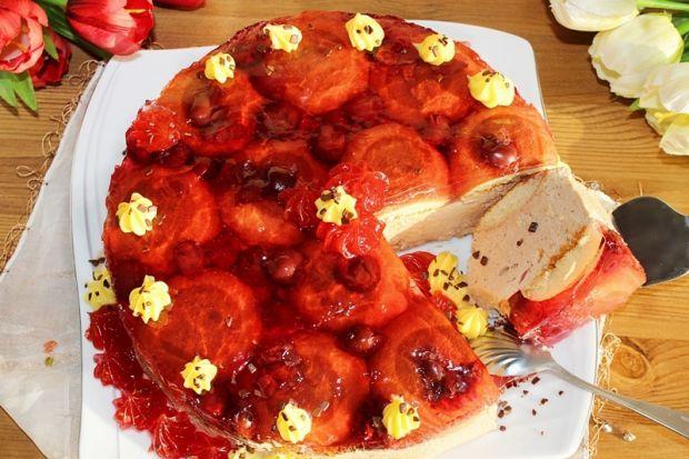 Ciasto z czekoladowym kremem mascarpone, wiśniami