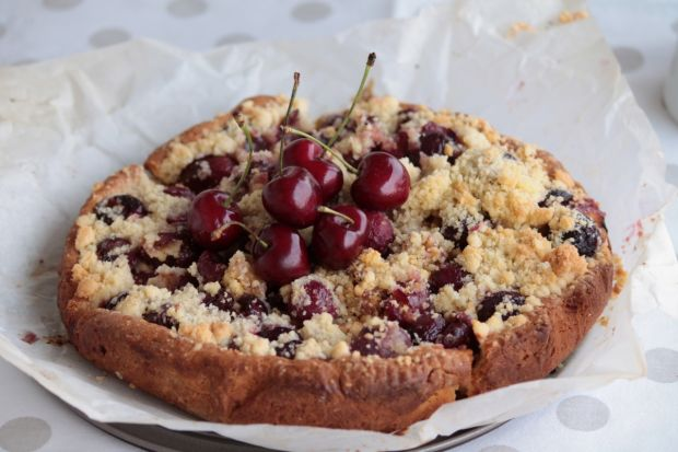 Ciasto z czereśniami i kruszonką