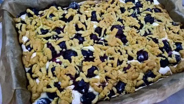 Ciasto z czereśniami i pianką