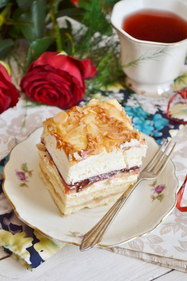 Ciasto z jabłkami i masą truskawkową
