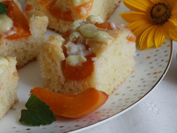 Ciasto z kaszką i morelami