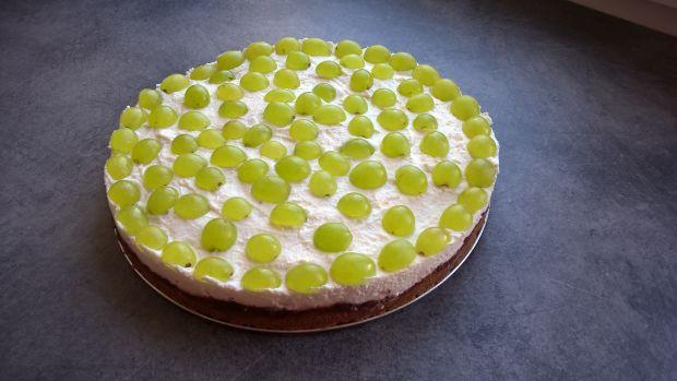 Ciasto z kaszy manny z mascarpone i winogronami