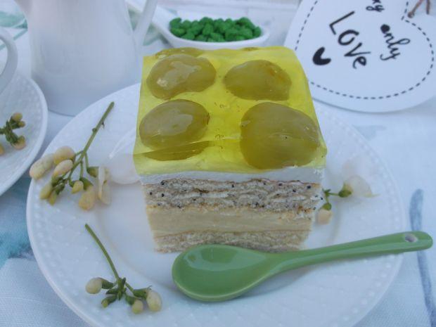Ciasto z kremem, winogronem i galaretką