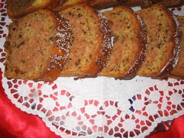 Ciasto z orzechami i cynamonem