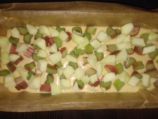 Ciasto z rabarbarem i jabłkiem