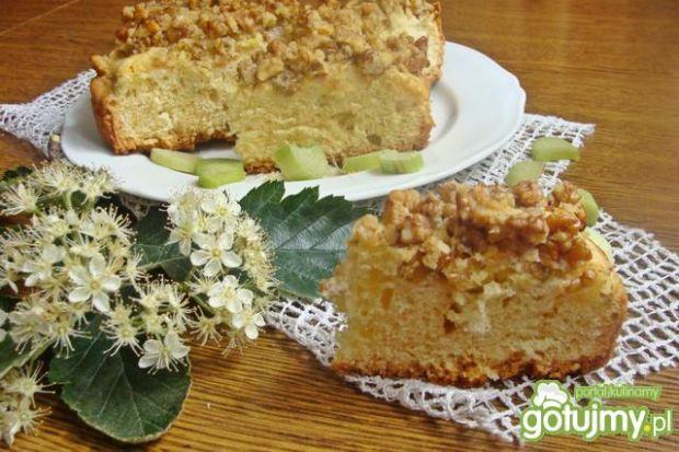 Ciasto z rabarbarem i orzechami