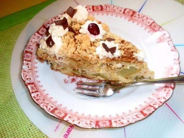 Ciasto z rabarbarem i śmietaną