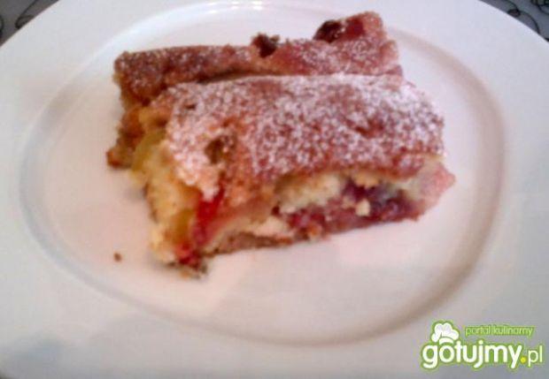 Ciasto z rabarbarem i tuskawkami Gina