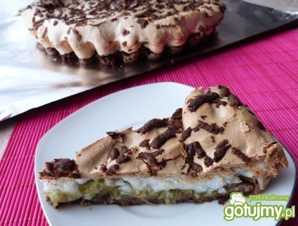 Ciasto z rabarbarem pod bezową kołderką