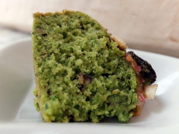 Ciasto z rukoli z orzechami włoskimi