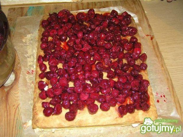 Ciasto z wiśniami i bezą
