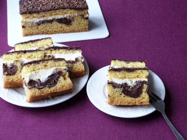 Ciasto ze śliwkami i masą budyniową