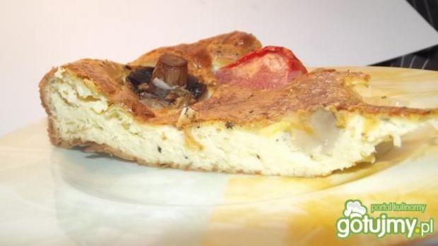 Clafoutis z pieczarkami i pomidorem