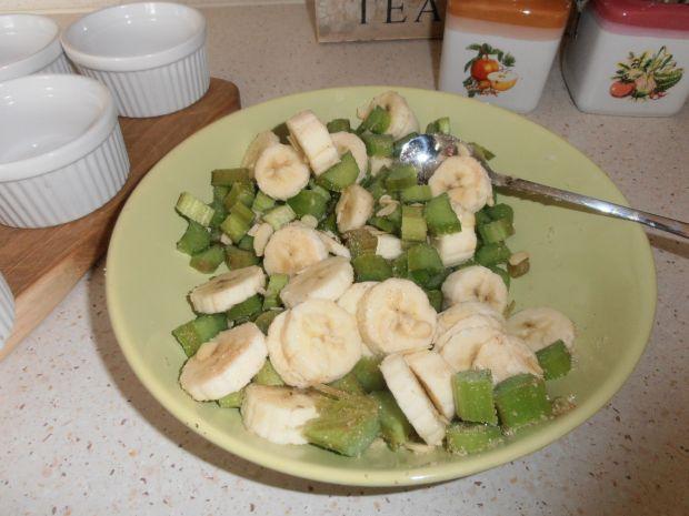 Crumble bananowo-rabarbarowe