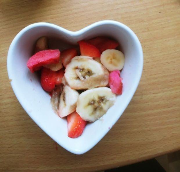 Crumble z rabarbarem, bananem i rodzynkami