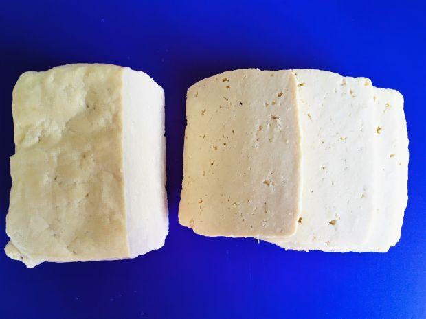 Cukinia faszerowana pieczarkami i serem tofu