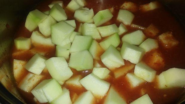 Cukinia sosie pomidorowym
