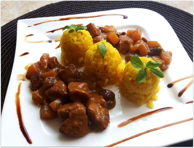 Curry z ananasem