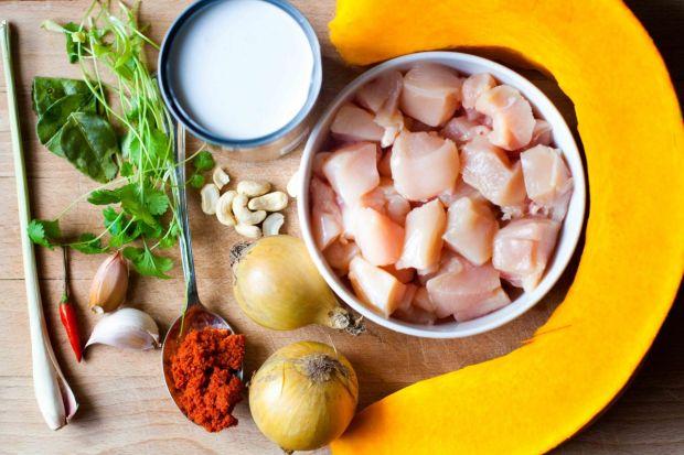 Curry z dyni i kurczaka z mleczkiem kokosowym