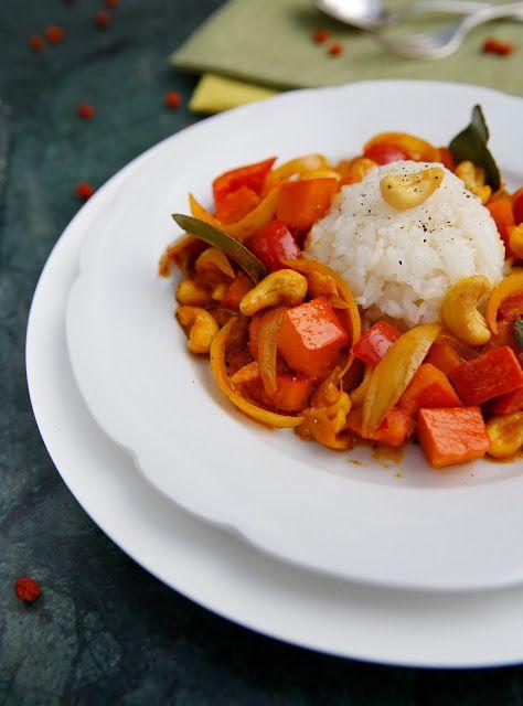 Curry z dyni i orzechów nerkowca
