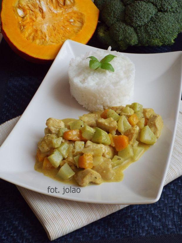 Curry z dynią i łodygą brokuła