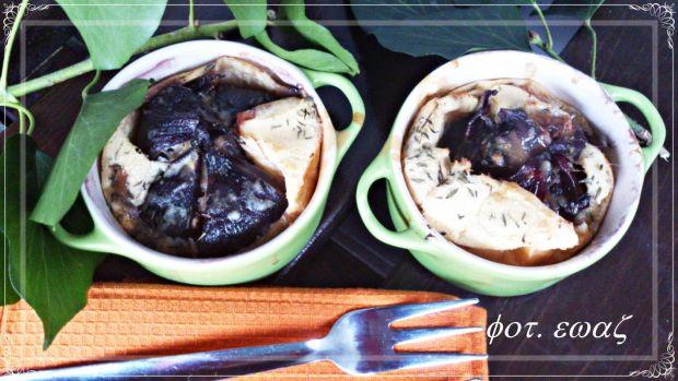 cykl książkowy, zmoderuje kołczu - Zdjęcie głównepieczone cebule w dole z ciasta