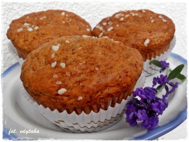 Cynamonowe muffiny z marmoladą z pigwy