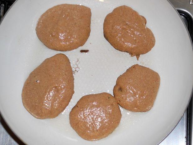 Cynamonowe racuszki z mąki gryczanej