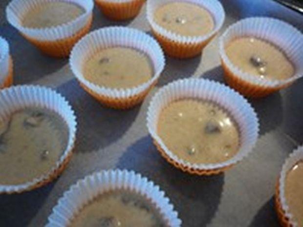 Cynamonowo - czekoladowe babeczki ze świeżą morelą