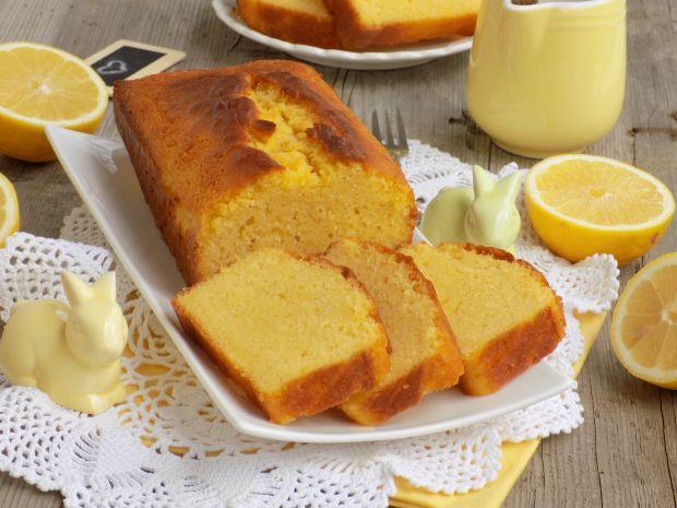 Cytrynowa babka z mąką kukurydzianą