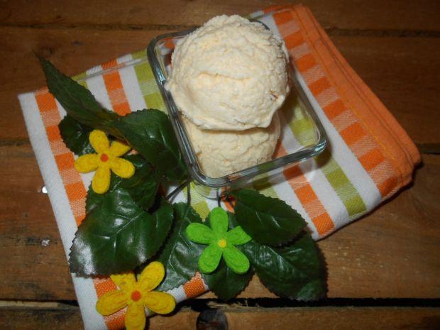 Cytrynowe lody z kaszą manną