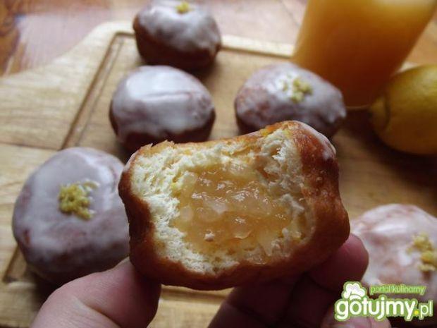 Cytrynowe pączki z dżemem z cukinii