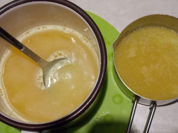 Czekoladowa panna cotta z sokiem pomarańczowym