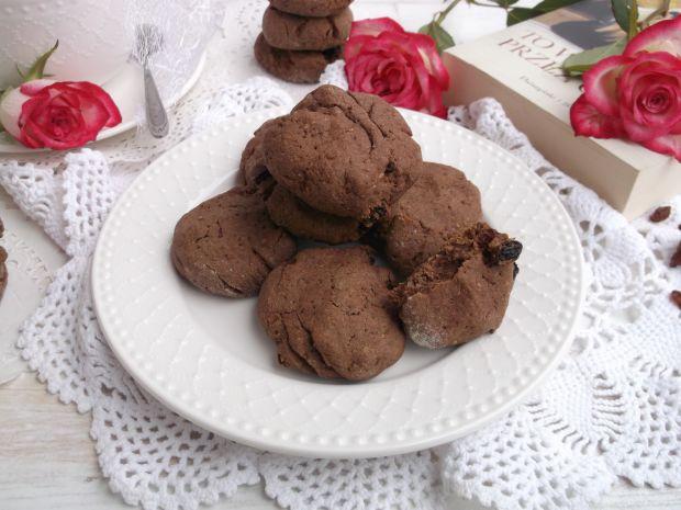 Czekoladowe ciasteczka z bakaliami i kardamonem