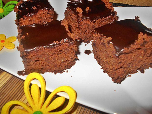 Czekoladowe ciasto z kokosem